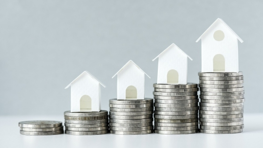 Property with guaranteed returns in India
