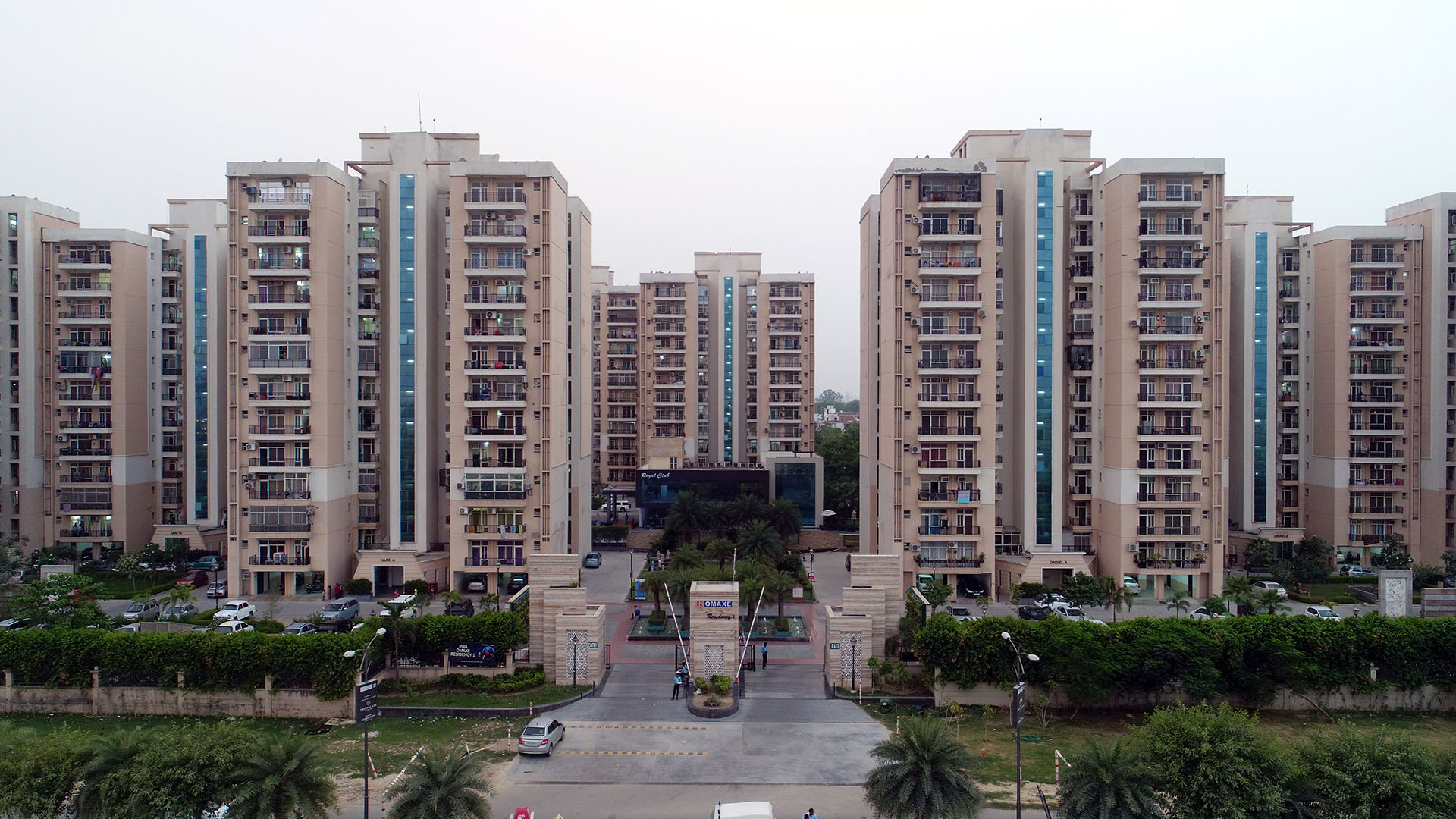 Eyeing 2 BHK flats in Lucknow